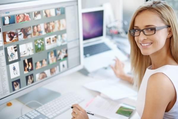 Graphic designer using Mac PC