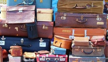 Make Money Buy lost luggage