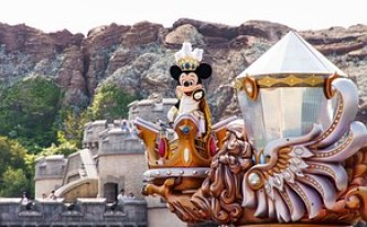 moneymagpie_disneyland_mickey_mouse_save_money_make_money