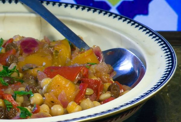 Chic pea and apricot tagine