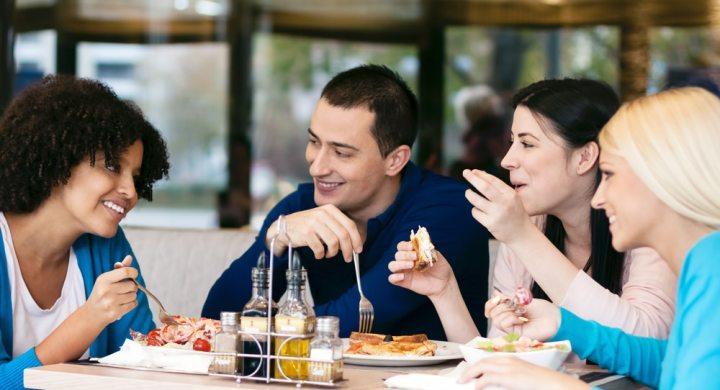get group discounts at restaurants