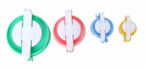 Set of 4 pompom makers