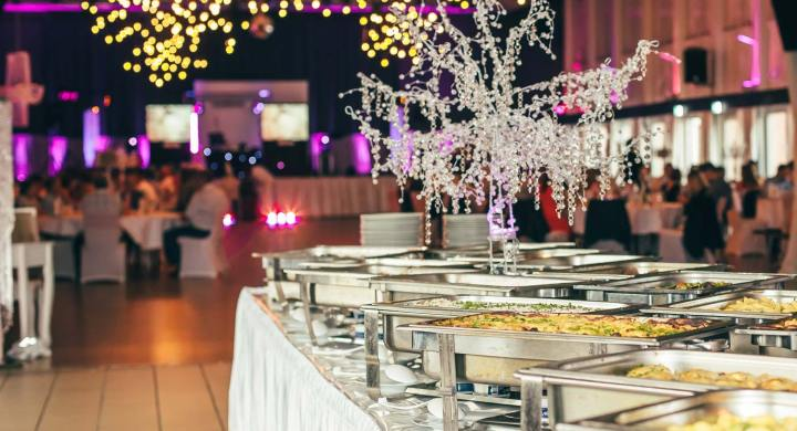10 Ways to Save Your Wedding Catering Costs