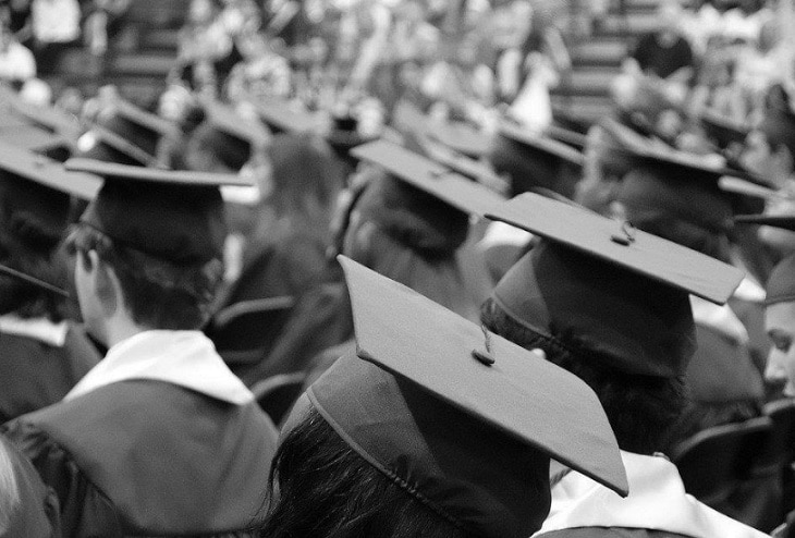 Ways to pay for an MBA in Spain