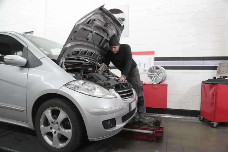 Should You Repair Or Replace Your Old Car?