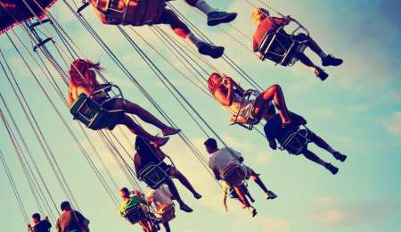 Where to find discounts for family activities this summer