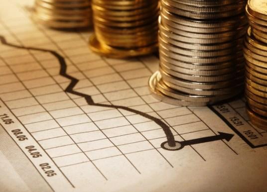«Πρόσω ολοταχώς» η Ελλάδα για επενδυτική βαθμίδα