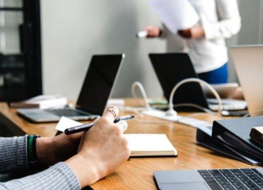Έρευνα: Μείωση εισοδημάτων για το 56% των εργαζομένων του ιδιωτικού τομέα