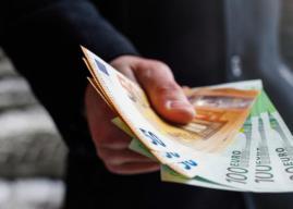 Αυξήσεις στις συντάξεις και αναδρομικά έως 4.386 ευρώ