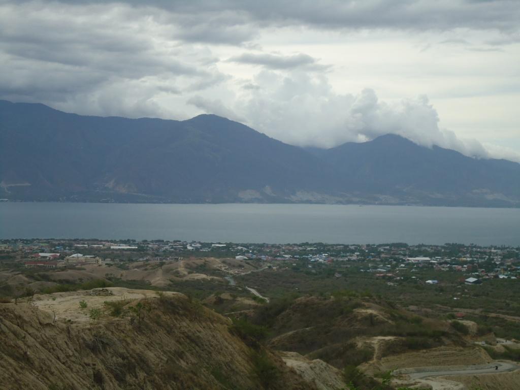 Pemandangan Teluk Palu, Sulawesi Tengah dilihat dari ketinggian. Foto : Themmy Doaly