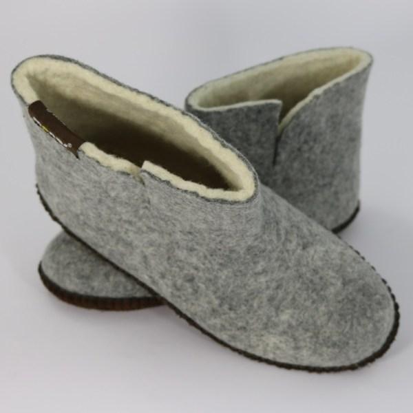 Warme hohe Hausschuhe aus Filz mit Ledersohle für Damen, Herren und Kinder in der Farbe Grau - Uni Mongs Grau
