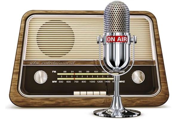 De nuevo en la radio