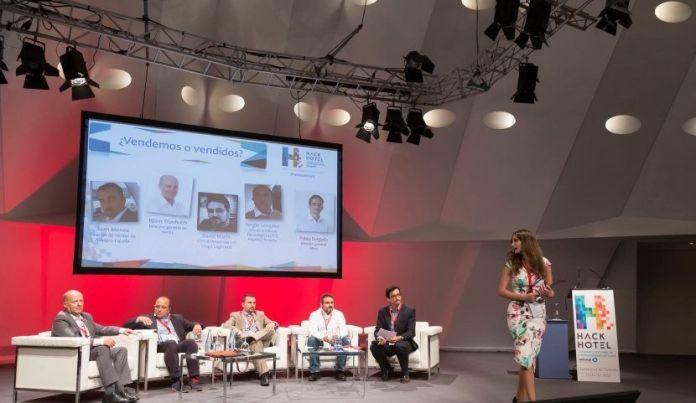 Monica Valle innovacion tecnologia emprendimiento ciberseguridad presentadora profesional en eventos