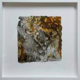 Anders - Seidelbastpapier, Baumaterial, Marmormehl, Pigmente und Tuschen, gerahmt - 30 x 30 cm