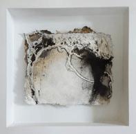 Keine Kostbarkeiten IV - Seidelbastpapier, Baumaterial, Sumpfkalk, Pigmente, Tuschen – 20 x 20 cm – Kunstfabrik Hannover 2017