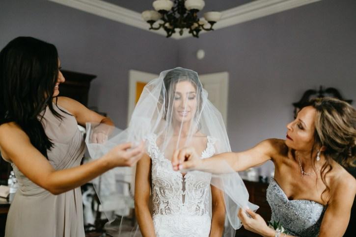 Lowndes Grove Plantation bride getting ready
