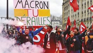Bota-France-2-827 Republika në grevë