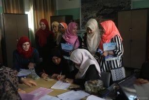 20160712_Palestine-Exam-Results-Students-014