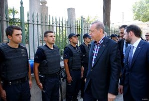 20160717_Erdogan-attends-Funeral-of-democracy-martyrs-in-Istanbul-01