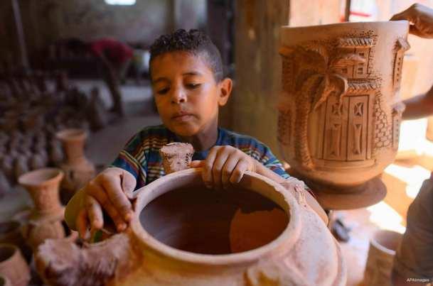 EL CAIRO, EGIPTO: Entrenamiento del artesano
