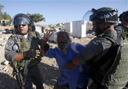 Israeli-forces-demolish-Palestinian-homes-houses-01