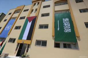 Victims-of-2014-war-on-Gaza-receive-56-housing-units-03