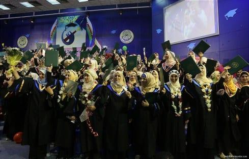 Graduation-ceremonies-Gaza-university-students-04
