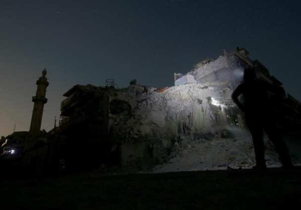 Alepo, Siria, 17 de Octubre. Escombros tras los ataques aéreos de potencias extranjeras en la capital siria. ( Jawad al rifai, Agencia Anadolu).