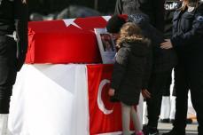 Ceremonia funeraria celebrada por las víctimas de los atentados terroristas de Estambul en la sede del Departamento de Policía de Estambul en Estambul, Turquía, el 11 de diciembre de 2016 [Arif Hüdaverdi Yaman / Anadolu Agency]