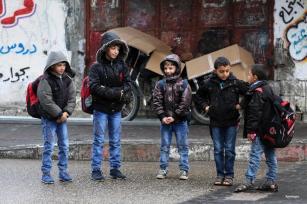 Al-SHATI, GAZA- Escolares gazatíes arrecidos frío