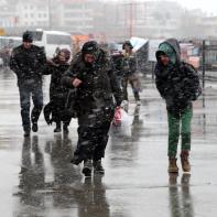 ESTAMBUL, TURQUÍA - 26 DE ENERO: Fuertes nevadas en el distrito de Uskudar de Estambul, Turquía el 26 de enero de 2017. (Metin Tokgöz - Agencia de Anadolu)