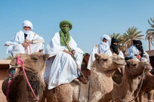 MARRUECOS- Los tuareg se preparan para jugar al hockey sobre arena