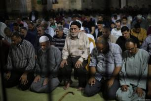 Los habitantes de Gaza tratan de dsfrutar como pueden de este mes de Ramadán de 2017, el 28 de mayo de 2017 [Mohammed Asad / Middle East Monitor]