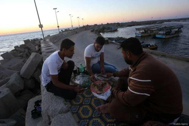 Gaza, GAZA- Tomando el iftar con lindas vistas