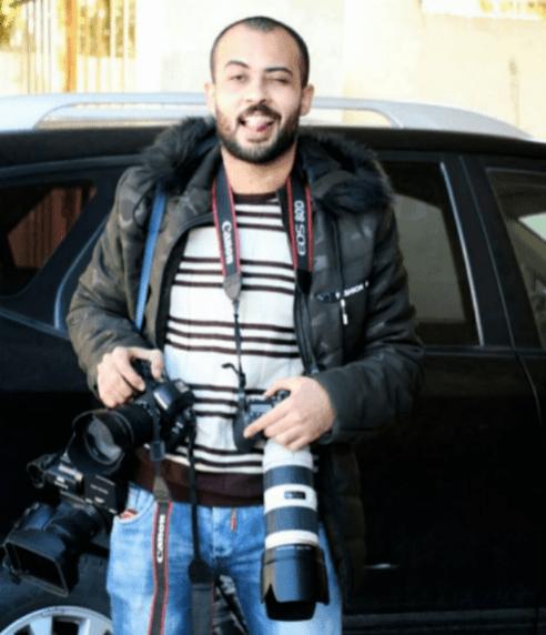 El periodista palestino Ahmad Abu Hussein recibió un disparo en la cabeza resultando gravemente herido por las fuerzas de la ocupación israelíes mientras cubría las protestas del viernes [Twitter]