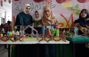 Niños sirios de Idlib realizan una exposición científica para llamar la atención sobre sus creaciones y mostrar al mundo que miran hacia el futuro, a pesar de crecer en la sombra de la guerra [Agencia Hasan Muhtar / Anadolu]