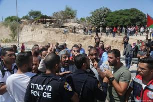 Las fuerzas israelíes atacan la localidad beduina de Cisjordania de Khan Al-Akhmar el pasado 14 de septiembre de 2018 [İssam Rimawi/Anadolu Agency]