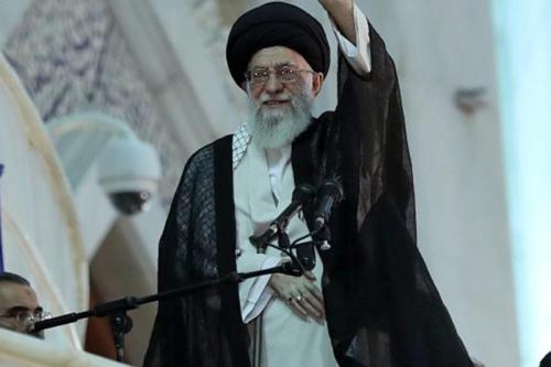 """Khamenei: """"La resistencia continuará hasta que Israel se rinda ante…"""