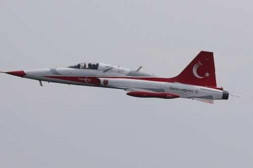 El ejército turco realiza ataques aéreos en el norte de…