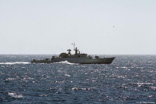 Arabia Saudí dice que un tripulante evacuado de un barco…