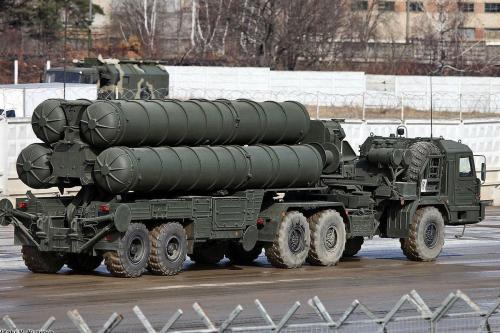 Los legisladores estadounidenses denuncian la compra de armas rusas por…