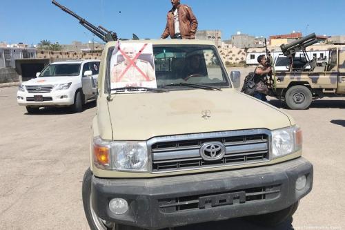 Libia: 17 combatientes de Haftar se rinden ante el gobierno…