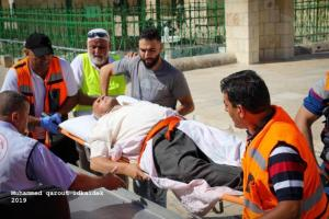 Las fuerzas israelíes atacaron a los fieles palestinos en el complejo de la mezquita de Al-Aqsa de Jerusalén, el domingo 11 de agosto de 2019