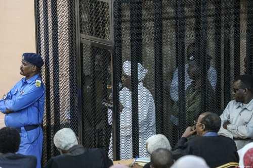 Activistas de Sudán organizan una sentada en Jartum, exigiendo la…