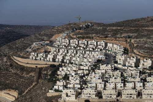 Las autoridades israelíes aprueban 2.000 nuevas unidades de asentamiento en…