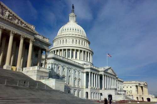 El Congreso de los Estados Unidos presenta una resolución que…