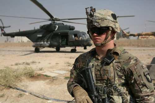 Más tropas estadounidenses abandonan Irak por heridas graves mientras Trump…