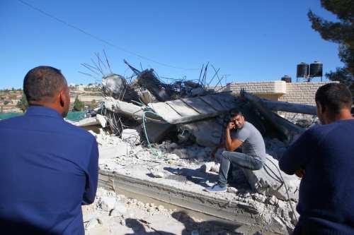 Israel emite 18 órdenes de demolición para hogares palestinos en…