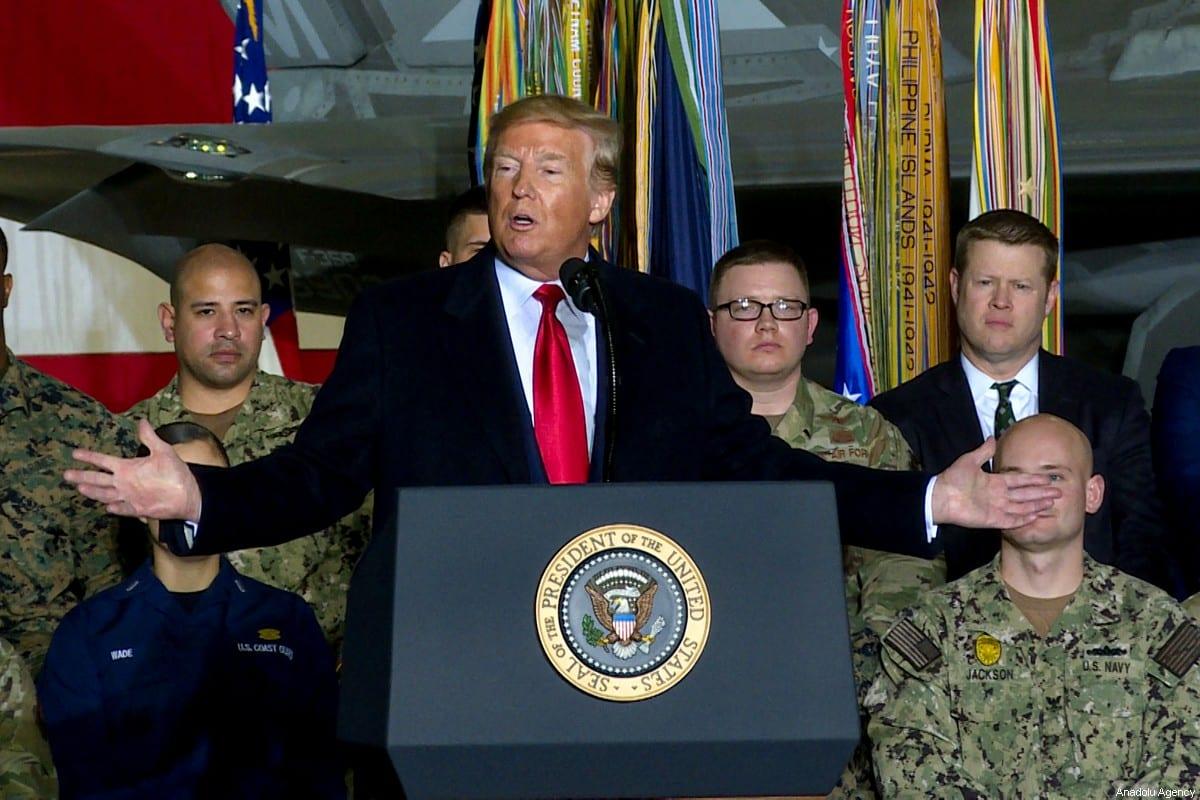 El presidente de los Estados Unidos, Donald Trump, pronuncia un discurso mientras asiste a una ceremonia de firma en la Base Conjunta Andrews, en Maryland, Estados Unidos, el 20 de diciembre de 2019. [Agencia Yasin Öztürk / Anadolu]