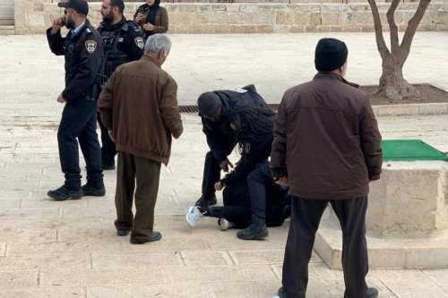 Israel detiene a 5 palestinos en la Mezquita de Al-Aqsa